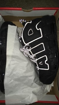 Air more umtempo size 8.5