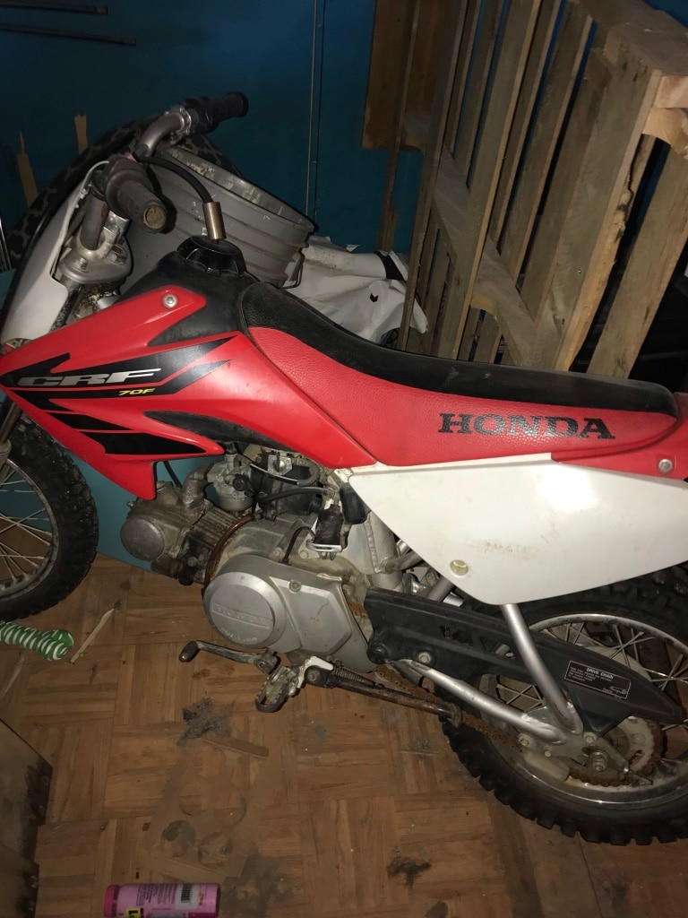 Photo Red and white honda crf dirt bike