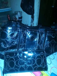 Coach purse and wallet Bakersfield, 93304