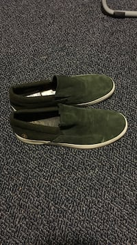 Size 9 volcom shoes never worn