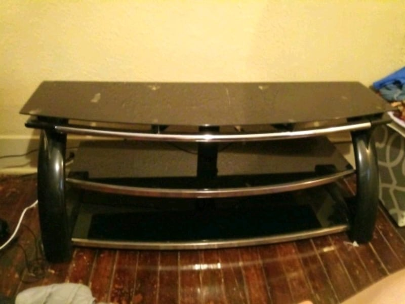 Large Glass TV Stand 5b25ad0d-6745-46ad-aef3-bfab858a0323