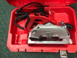 Circular Saw , Tools-Power Milwaukee In case .. Negotiable