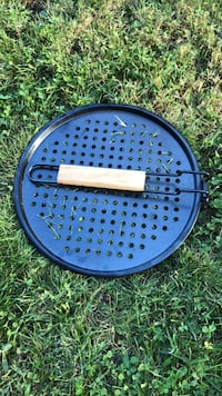 New GrillPro bbq pizza pan Anmore, V3H