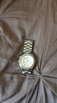 round silver-colored analog watch with link bracelet 1478 mi