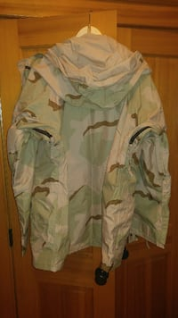 NEW USGI Parka Cold Weather Desert Camouflage ECWCS Gore-Tex Large Regular NWT