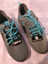 Brend new light up snickers size 5 fits 7 and helf Queens, 11385
