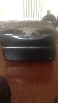 Black leather padded sofa chair Toronto, M6G 1L2