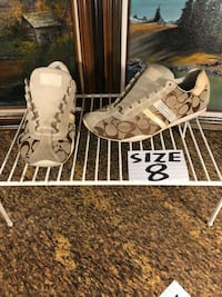 Coach Shoes size 8  (one has slight damage on the back, reduced price) Estacada, 97023