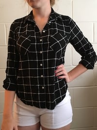 Black and white plaid button up size medium Philadelphia, 19144