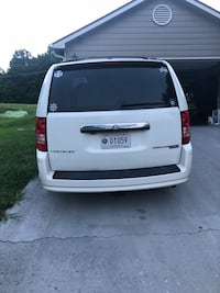 Chrysler - Town and Country - 2010 Knoxville, 37917