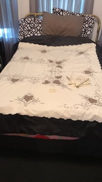 """96"""" cotton n lace tablecloth w  6 napkins.  like new.  call  [TL_HIDDEN]"""