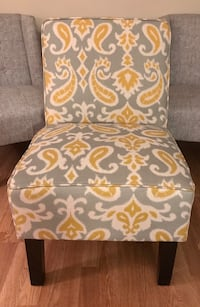 white and yellow floral padded chair New Castle, 19720