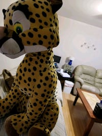 Huge stuffed cheetah in excellent condition...clean