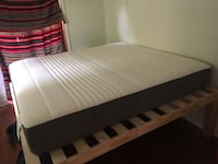 Black and white bed mattress Portland, 97218