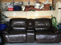 black leather 2-seat sofa Ottawa, K2J 0Z5