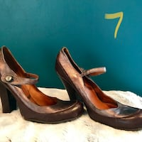 Brown leather ankle strap chunky heeled sandals- bronze Lafayette, 47901