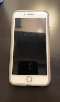 iPhone 7 Plus UNLOCKED with case and pocket-socket