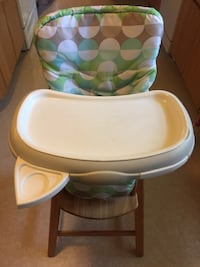 baby's white and green high chair Alexandria, 22306