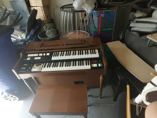 Lowrey TLO K Electric Organ