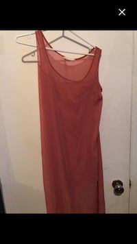 Nice long dress with sides open size L must sell Montréal, H4E