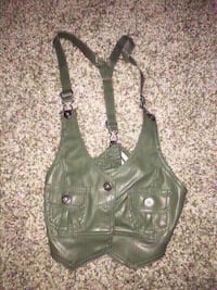 New olive green leather vest size medium. Colton, 92324