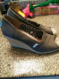 pair of gray suede wedge shoes Houston, 77060