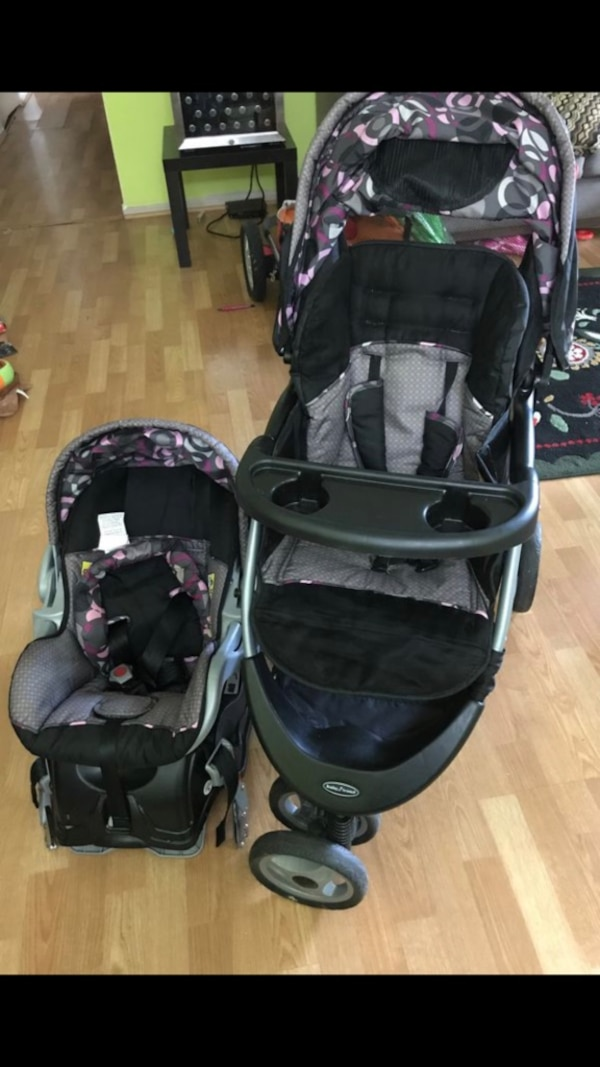 Stroller and 2 car seats