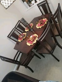 Raymour and Flanigan dining table with 6 chairs  Flemington, 08822
