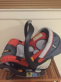 baby's red and black car seat carrier Niles, 60714