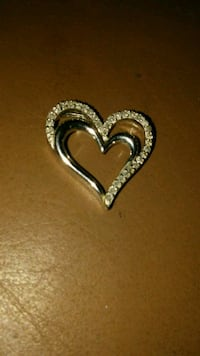 silver-colored heart pendant Midwest City, 73110