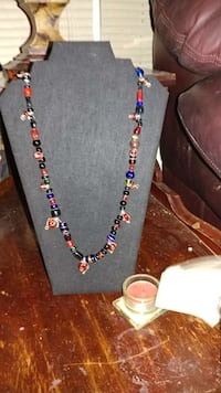 Wire and garnish glass bead necklace Memphis, 38122