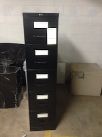 Black cabinet in great condition..negotiable Alexandria, 22314