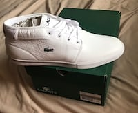 Pair of white low top sneakers new size 13 man New York, 11103