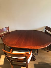 Dining room table and chairs Louisville, 40206