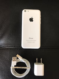 IPhone 5c 16 gb IN MINT CONDITION FACTORY UNLOCKED FIRM PRICE!! Edmonton, T6J 5E5
