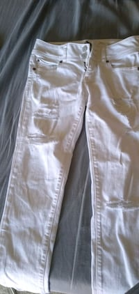 American Eagle White Jeans Size 0   Surrey, V3W