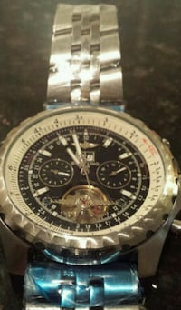 round silver-colored chronograph watch with link bracelet Toronto, M8Z 1R5