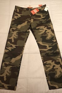 *New* Men's Dockers Camo Pants 32/30