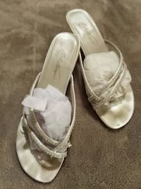 pair of white leather open-toe sandals Irmo, 29063