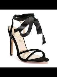 black and white leather open-toe ankle strap heels New Delhi, 110077