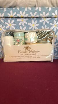Pamper your mom on Mother's Day with a soothing bath set  Langley, V3A 2C5