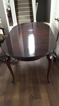 Cherrywood finish table and 6 chairs Middlesex Centre