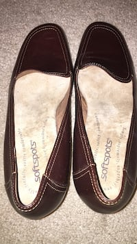Softspots brown shoes size  8 Glenwood, 21738