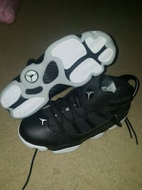 pair of black-and-white Nike basketball shoes London, N6E 2S7