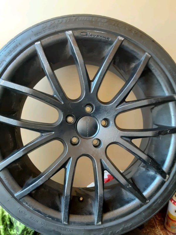 Rims Giovanna 20inch. With tires 6