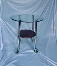 Custom side glass table on casters Columbus, 31904