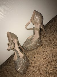 Prom shoes  290 mi