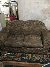 brown and green floral fabric 2-seat sofa 561 km
