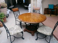 Use wooden and metal. Dinning table El Paso, 79930