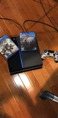 PlayStation 4 2 Games 2 Controller  PS4 Freehold, 07728